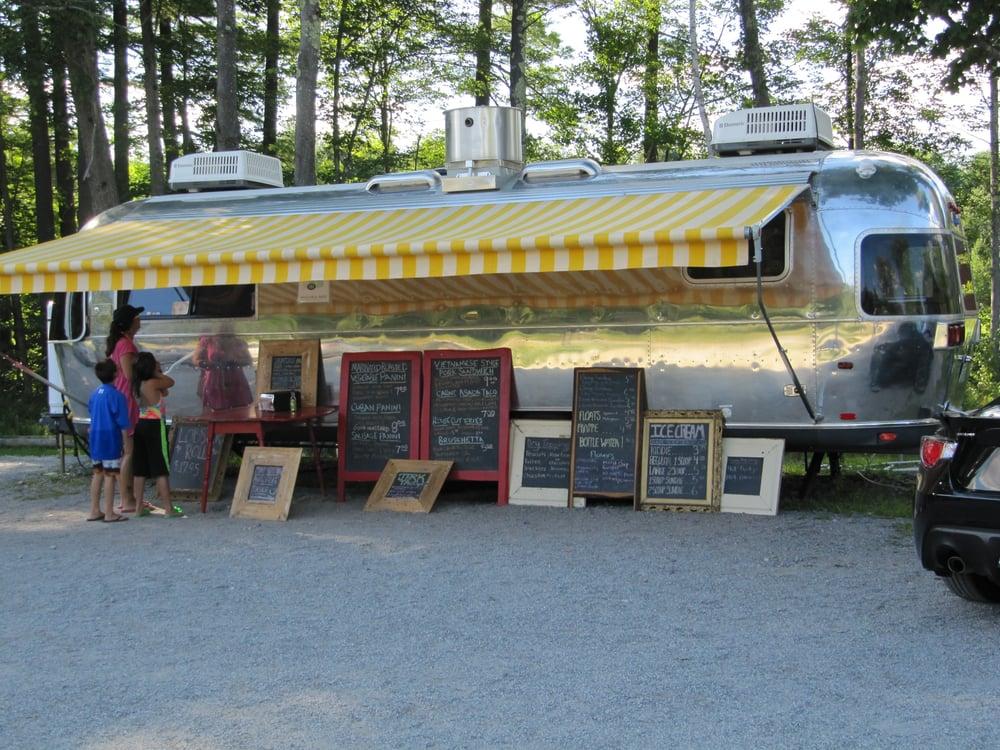 Winter Hill Farm Market: Hwy 31/ New Hampshire Turnpike, Hillsboro, NH