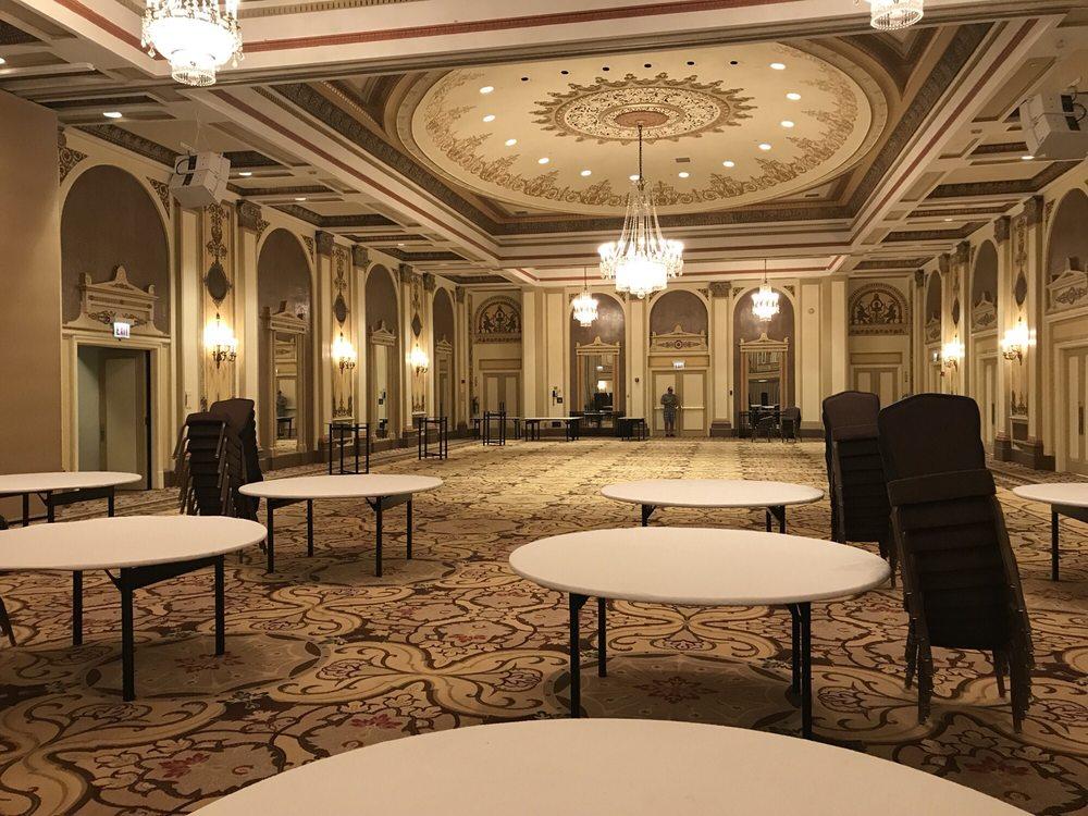 The Palmer House - A Hilton Hotel: 17 E Monroe St, Chicago, IL