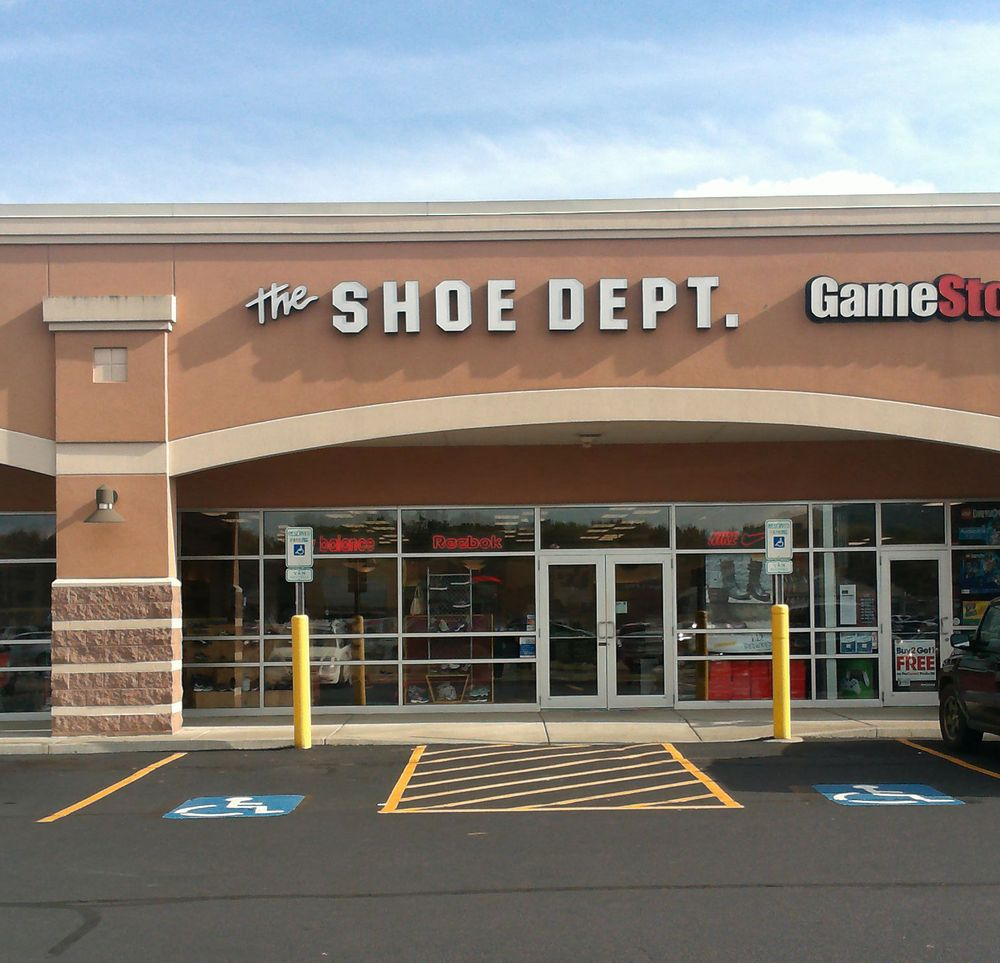 Shoe Dept: 3159 Silverback Ln, Painted Post, NY