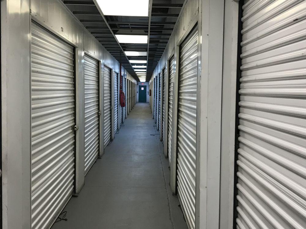 Southern Self Storage: Carretera 2 KM 19.5, Toa Baja, PR