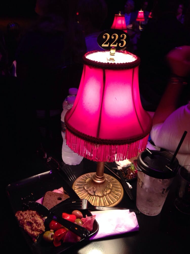 The Kit Kat Klub At Studio Floor Seats Right In The Center - Cabaret table lamps