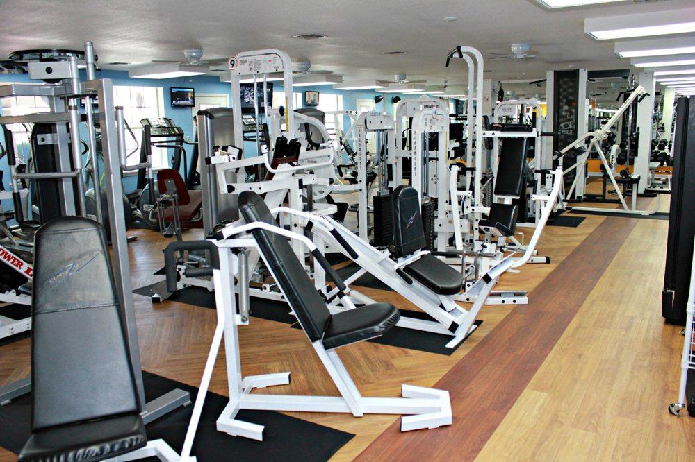 Strive 24 Fitness & Salon: 8500 Fm 1283, Lakehills, TX