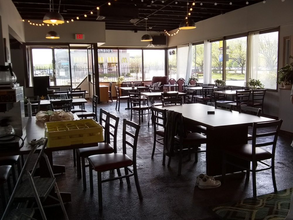 The Light Dry Bar and Grill: 1051 N Broadway Ave, Wichita, KS