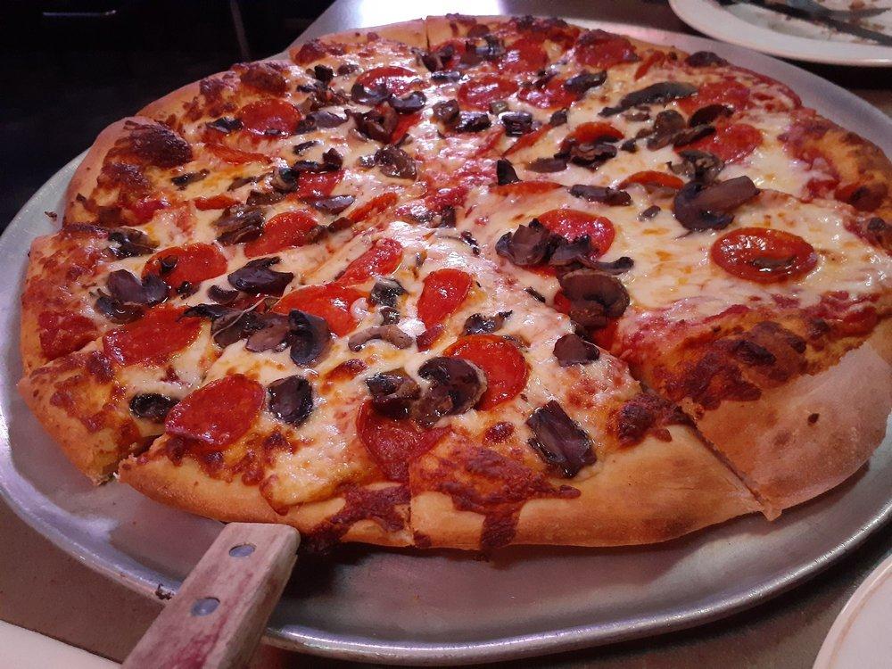 Fontana's Cafe: 7720 Pennsylvania Ave, North Huntingdon, PA