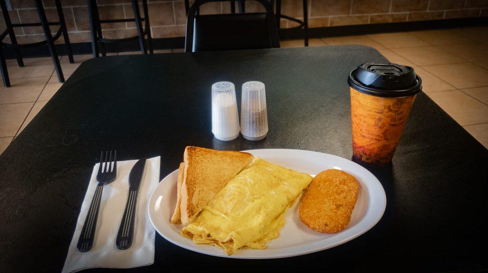 The Edge Cafe: 1755 E Edgewood Dr, Lakeland, FL