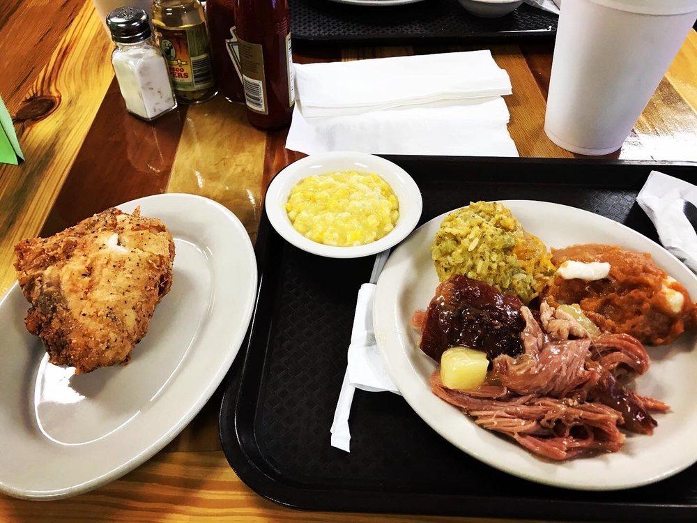 Oil Lamp Restaurant: 401 General Courtney Hodges Blvd, Perry, GA