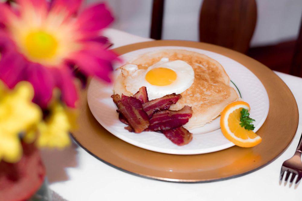 Page House Bed & Breakfast: 711 Bellevue Ave, Dublin, GA