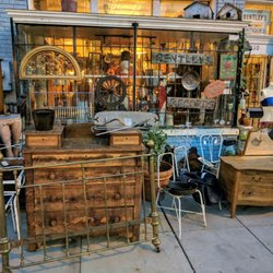 Delicieux Photo Of Bentleyu0027s Vintage Furniture U0026 Collectibles   Washington, DC,  United States.