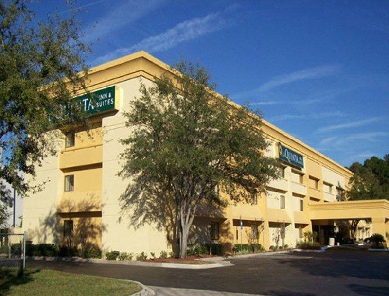 La Quinta by Wyndham Jacksonville Mandarin: 3199 Hartley Rd, Jacksonville, FL