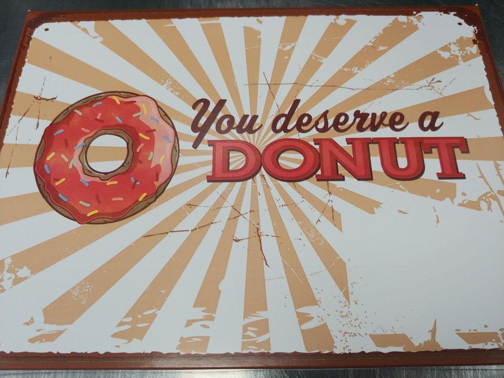 Lickin Good Donuts - Clanton: 1714 7th St N, Clanton, AL