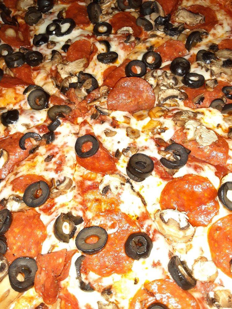 Orange Cove Pizza: 510 Park Blvd, Orange Cove, CA