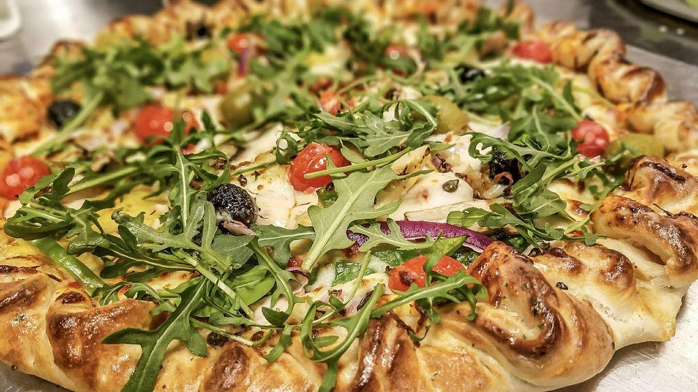 Grateful Head Pizza Oven & Beer Garden: 100 Exchange St, Hot Springs, AR