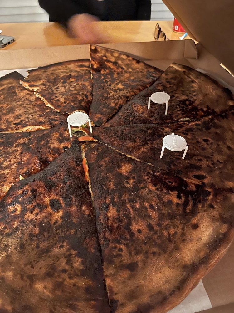Maurizio's Pizzeria & Italian Grille: 4215 Black Horse Pike, Mays Landing, NJ