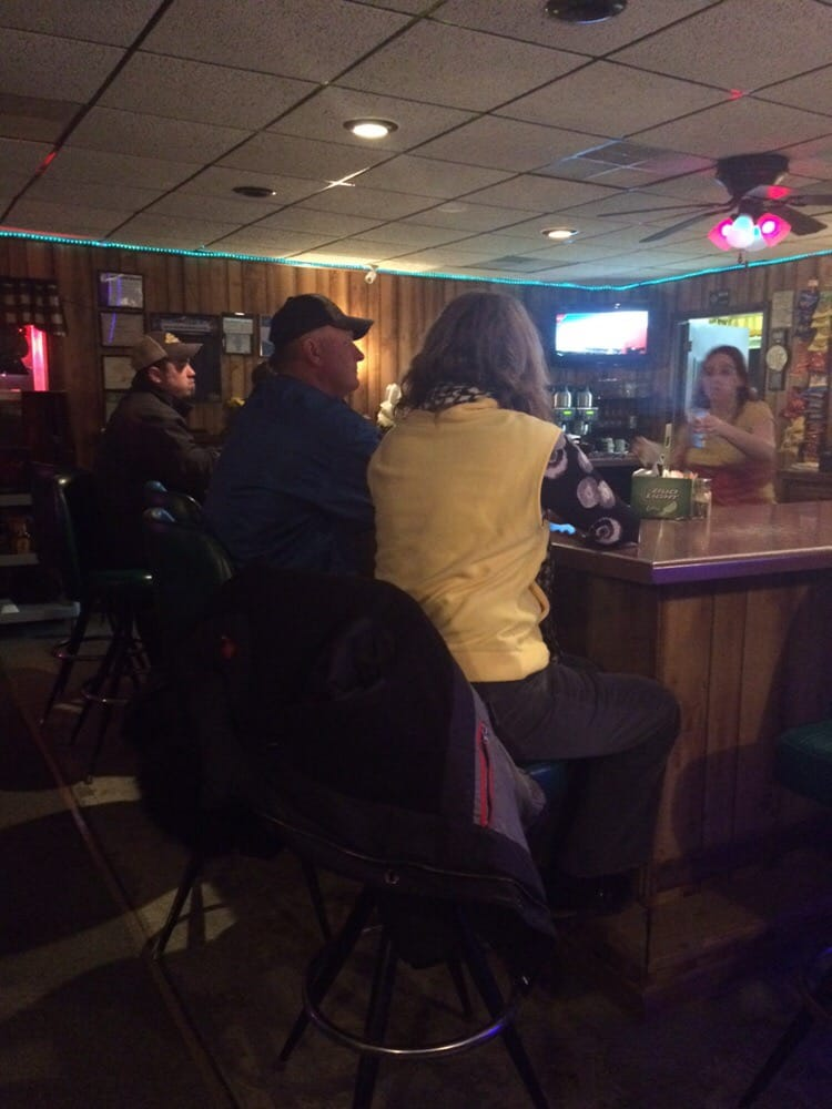 Double Deuce Saloon: 1390 Buchanan St, Carthage, IL