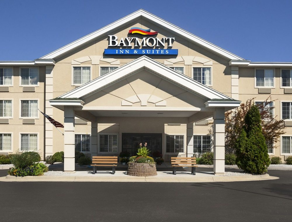 Baymont inn and suites mackinaw city 19 reviews hotels for The baymont