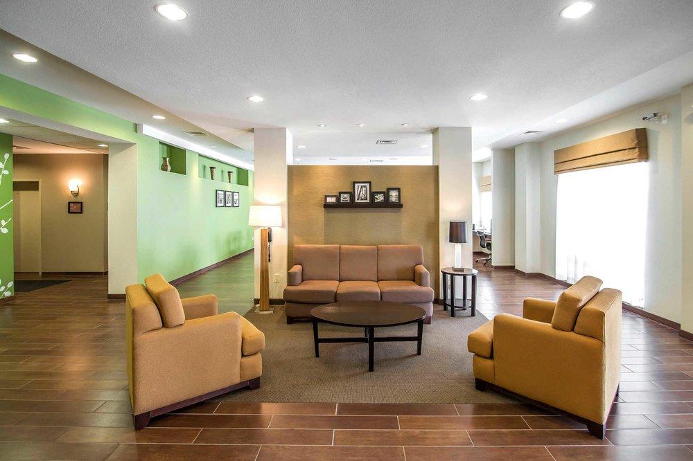 Sleep Inn & Suites: 651 E 71st St S, Haysville, KS