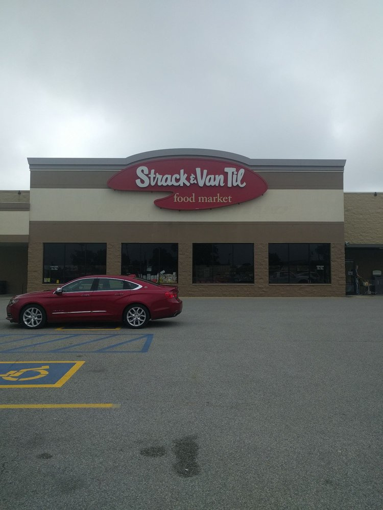 Strack & Van Til: 861 S College Ave, Rensselaer, IN