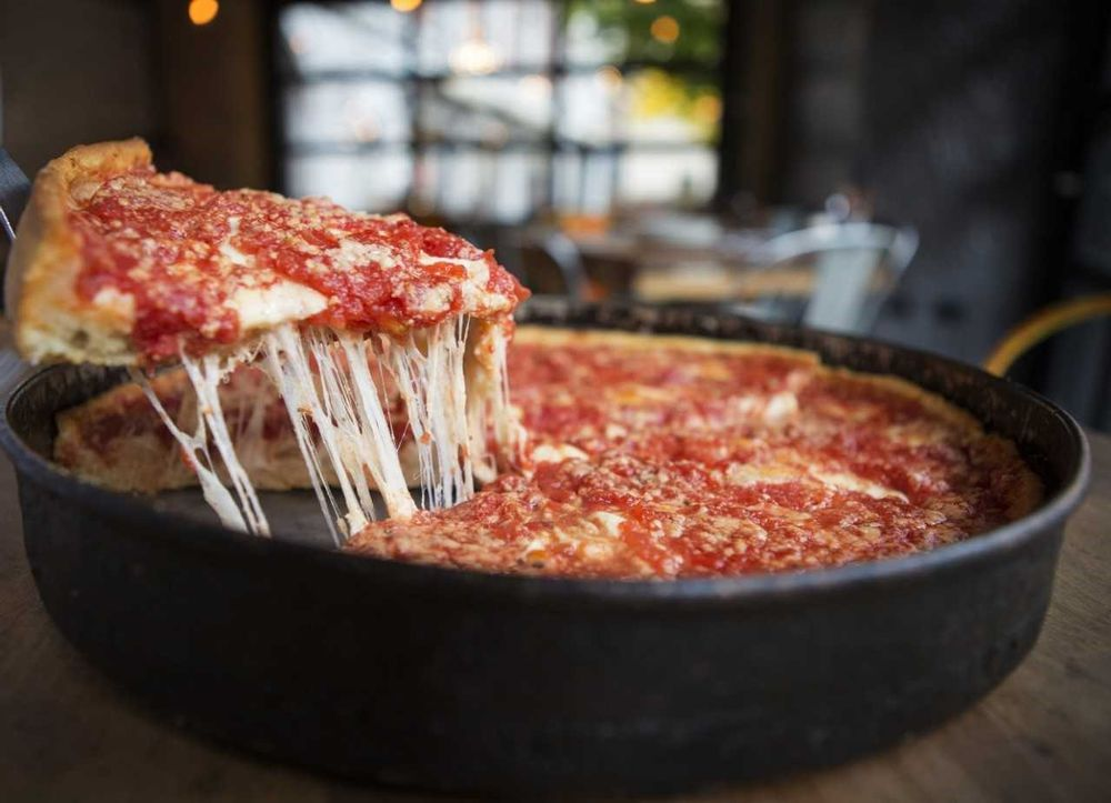 Lou Malnatis Pizzeria: 4751 S 76th St, Greenfield, WI