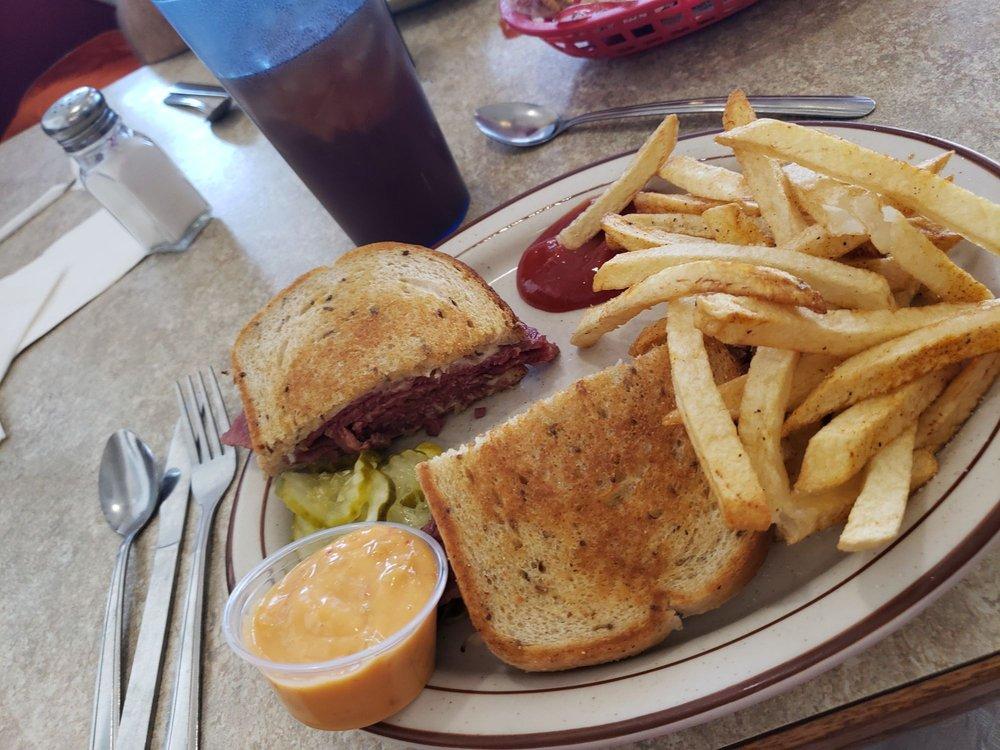 Canton Family Restaurant: 169 S 5th Ave, Canton, IL