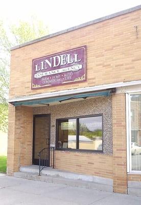 Lindell assurance auto et maison 124 n main st blue for Assurance auto et maison