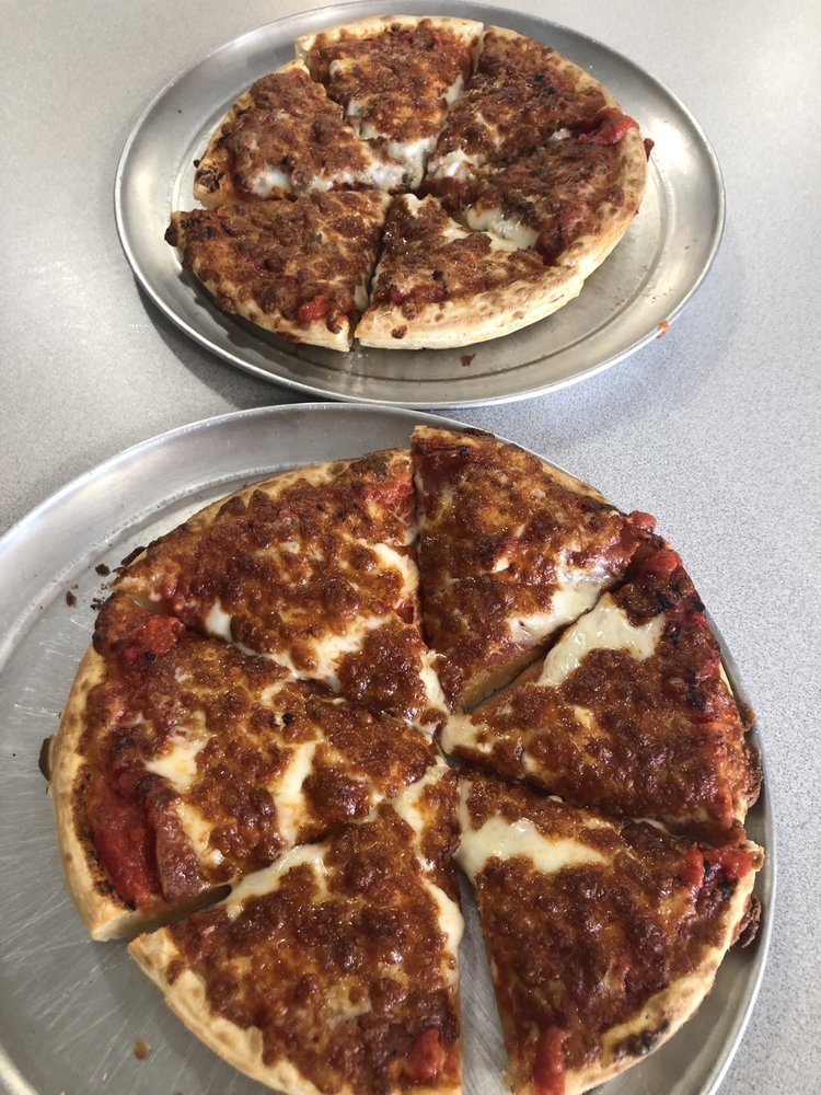 Joe's Pizza: 300 1st St E, Independence, IA