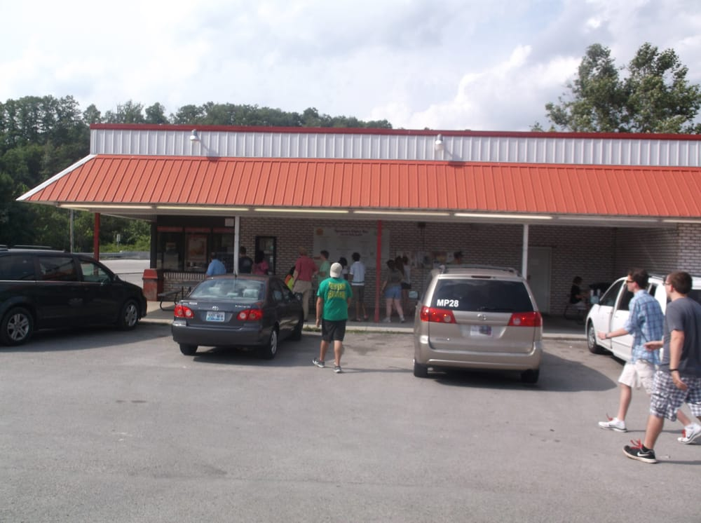 Spencer's Dairy Bar: 1 Mulberry St, Booneville, KY