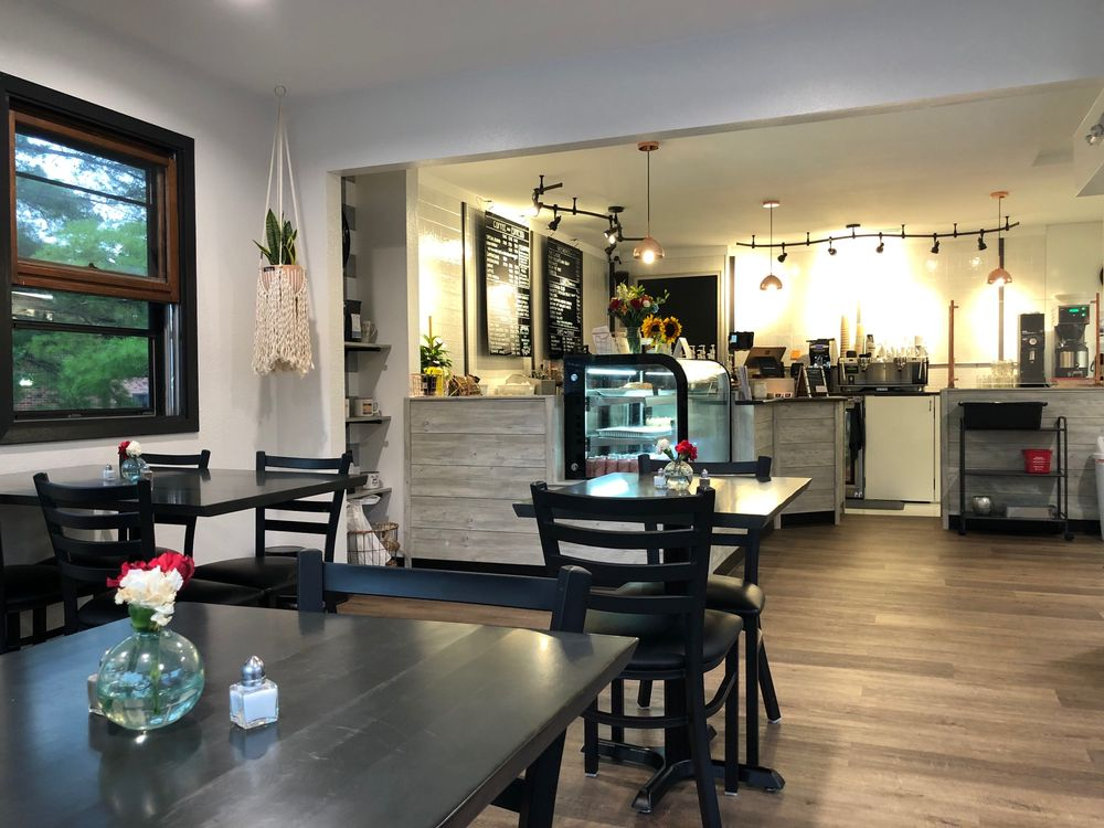The Serving Cafe: 106 E Main St, West Branch, IA