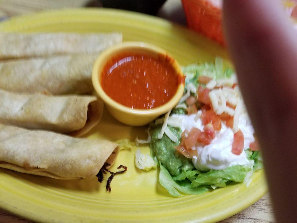 La Fondita Mexican Grill: 351 W Stevenson Rd, Ottawa, IL