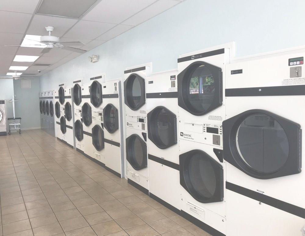 Brambleton Laundromat: 3309 Brambleton Ave, Roanoke, VA