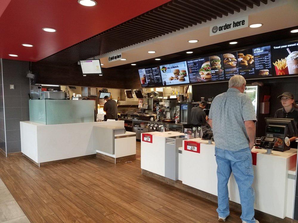 McDonald's: 1210 Timberlane Dr, Sauk Centre, MN