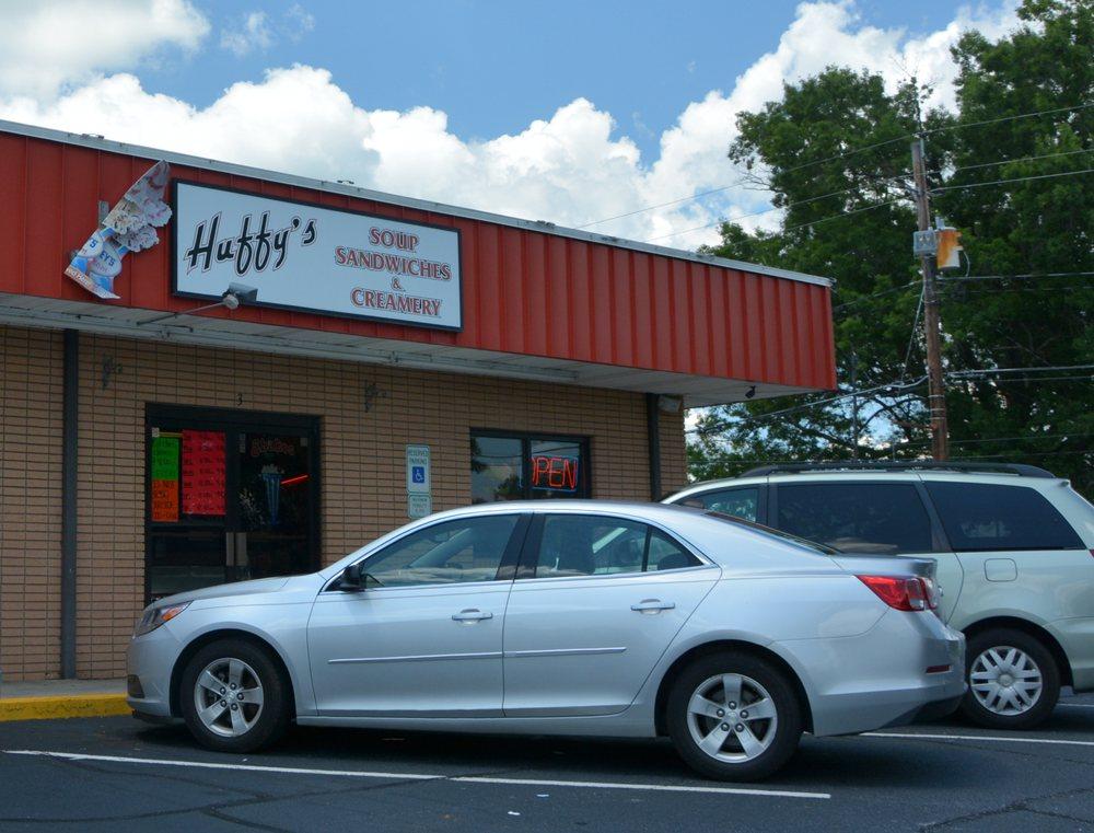 Huffy's Soup, Sandwich, & Ice Cream Shop: 23-3 Falls Ave, Granite Falls, NC