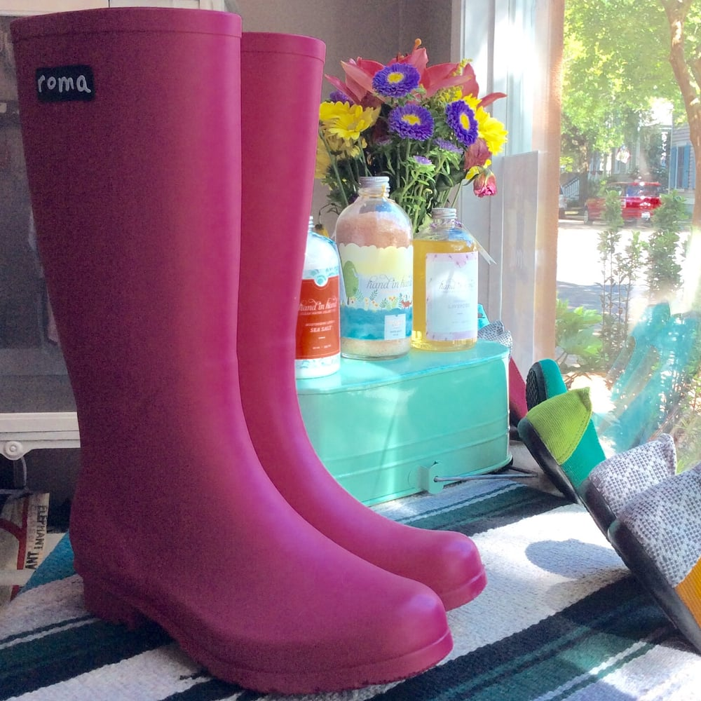 e6ec2dd700cba Roma rain boots donates a pair to a child in need for every pair ...