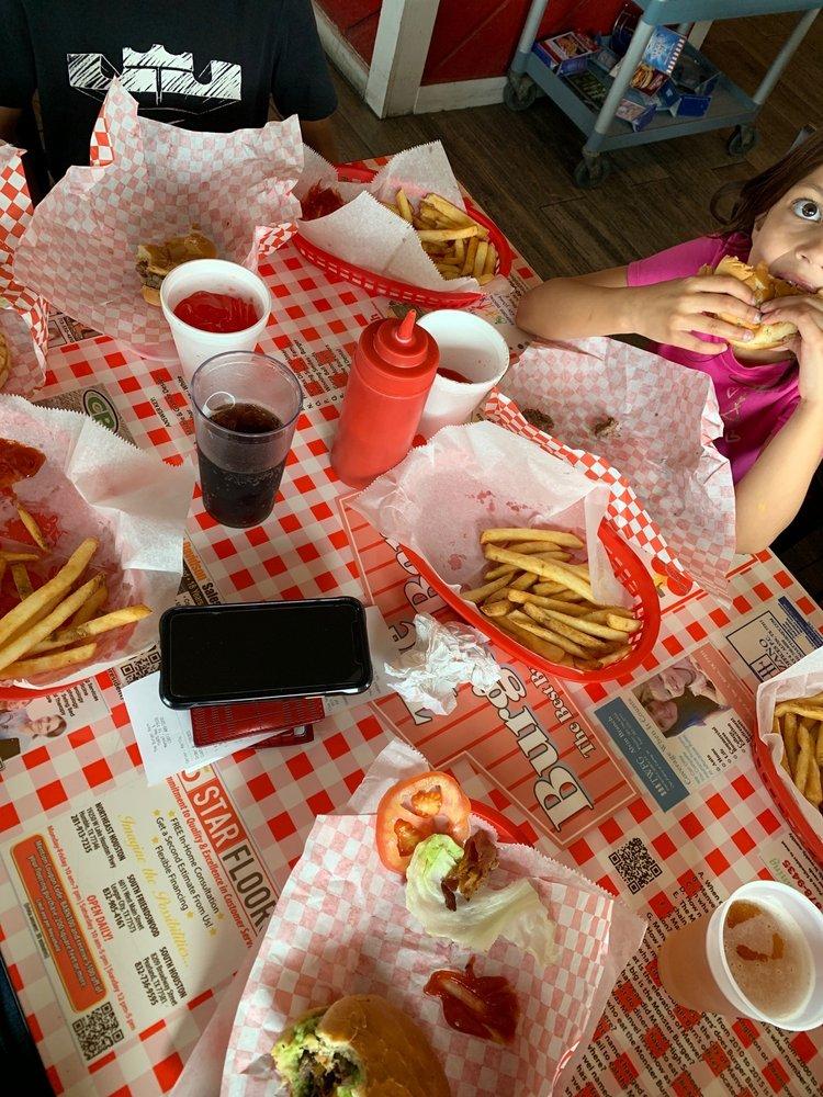 The Burger Barn: 19405 Hwy 6, Manvel, TX