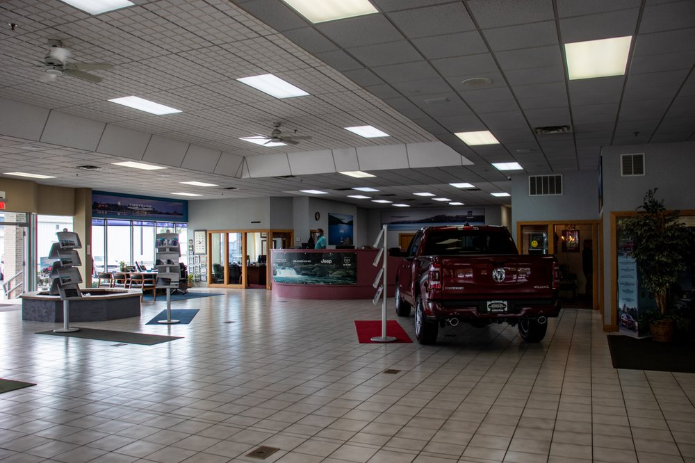 Griffin Chrysler Dodge Jeep Ram: 1121 S Main St, Jefferson, WI