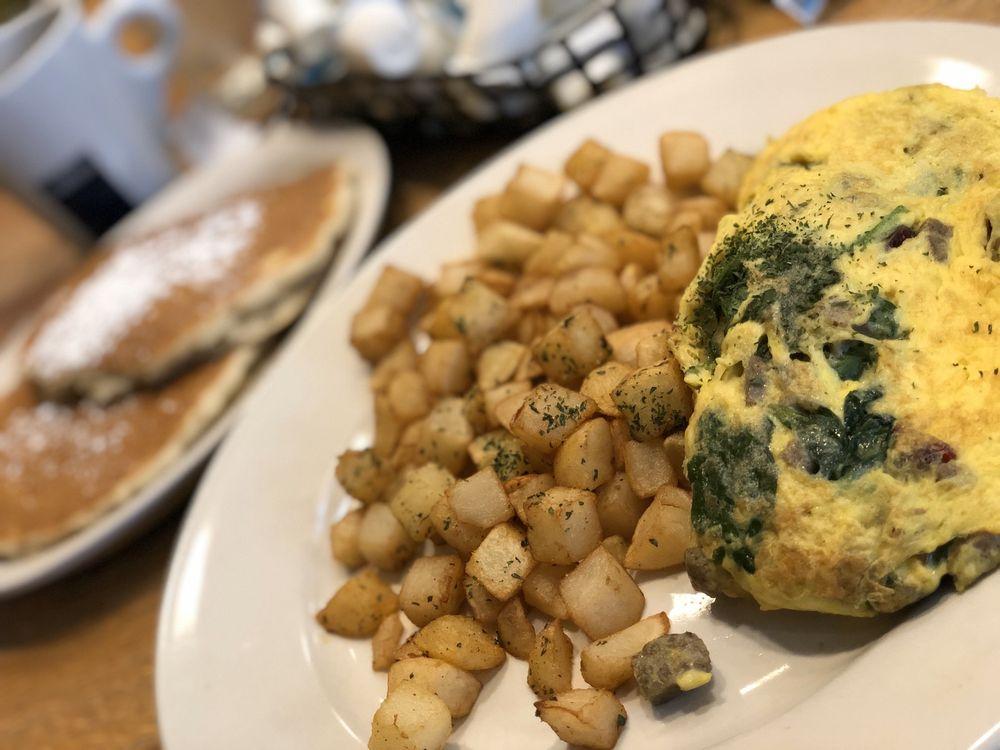 The Hudson Cafe: 1241 Woodward Ave, Detroit, MI