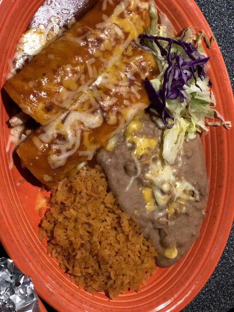 Mayas' Restaurant & Sports Cantina: 621 W Riverside Dr, Parker, AZ