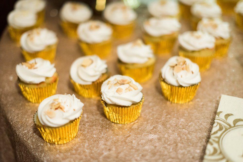 Lesley\'s Creative Cakes - 206 Photos & 194 Reviews - Bakeries - 1235 ...