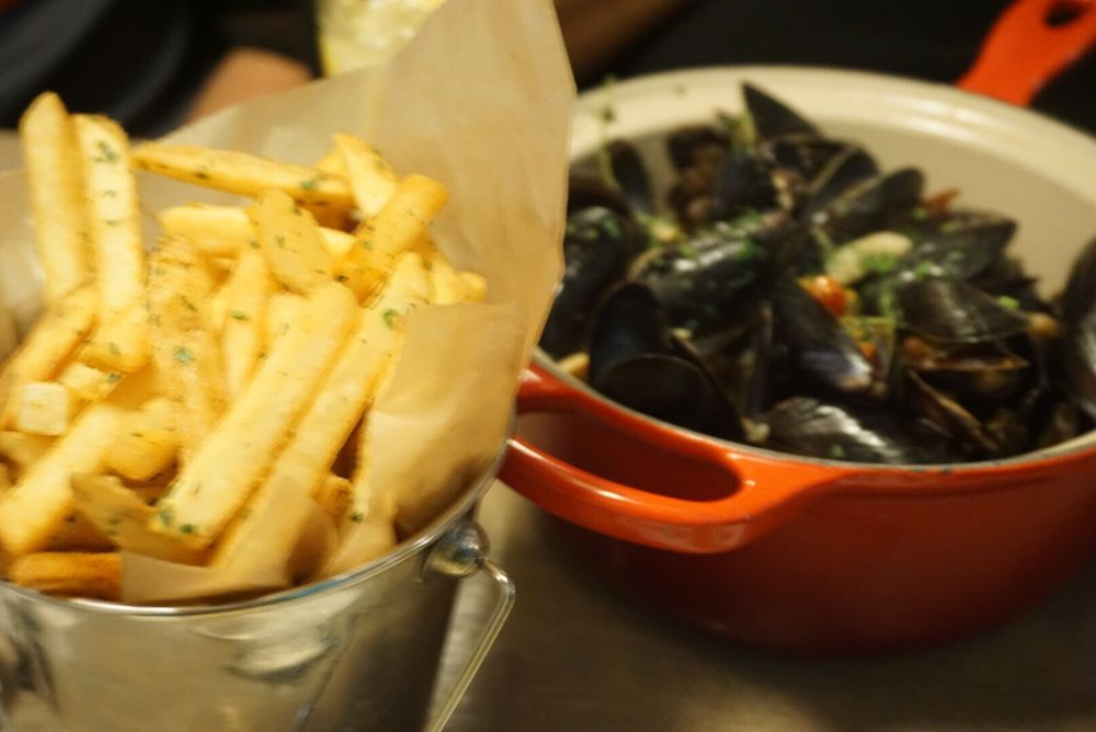 Steamed blue hills bay mussels yelp for Passion fish bethesda