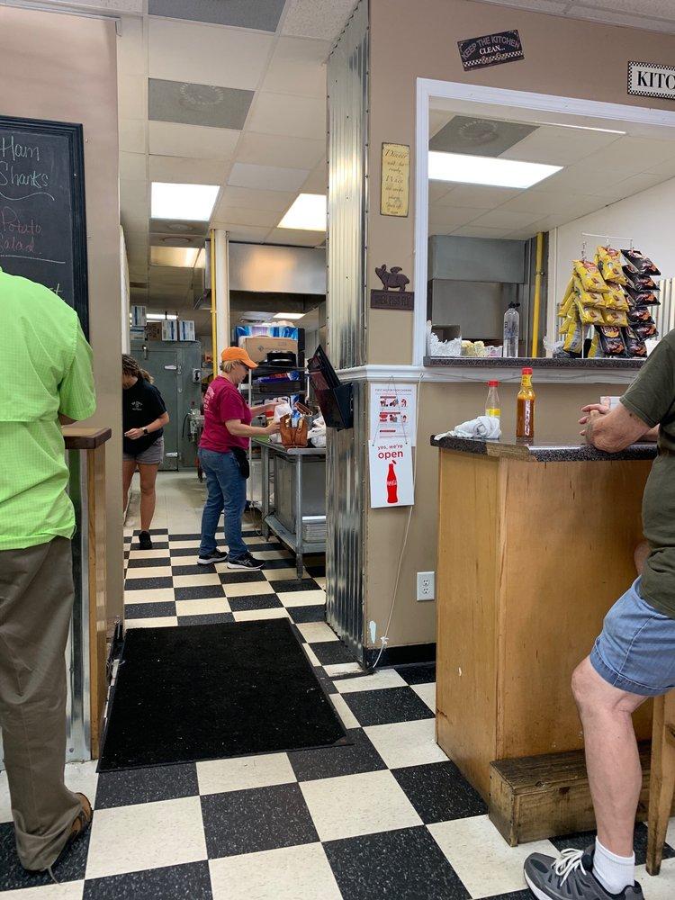 Big John's Treat Shoppe: 120 Williams Way SW, Calhoun, GA
