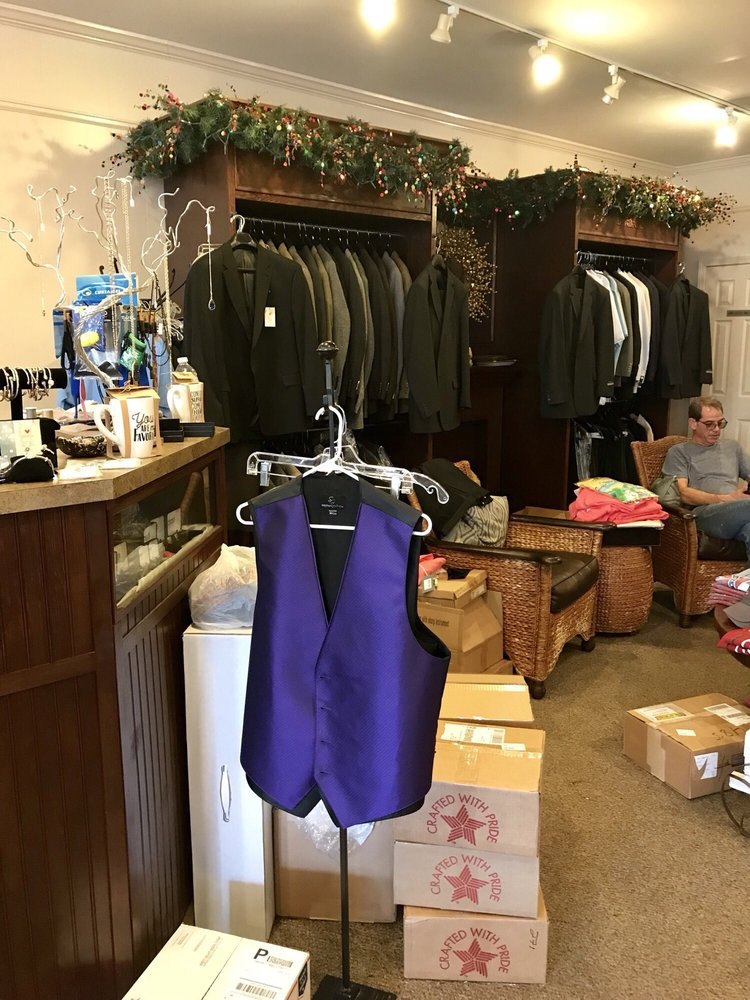 Anthony's Men's Wear: 501 Main St, Bay Saint Louis, MS