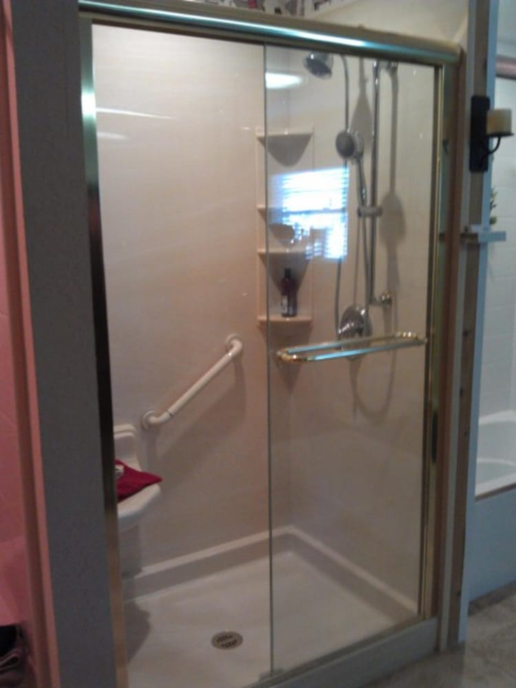 Bath fitter 21 photos kitchen bath 2303 ne 29th for Bathroom fitters near me