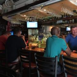Honolulu gay bar