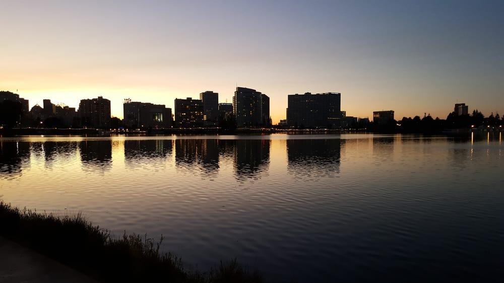 1200 Lakeshore Apartments