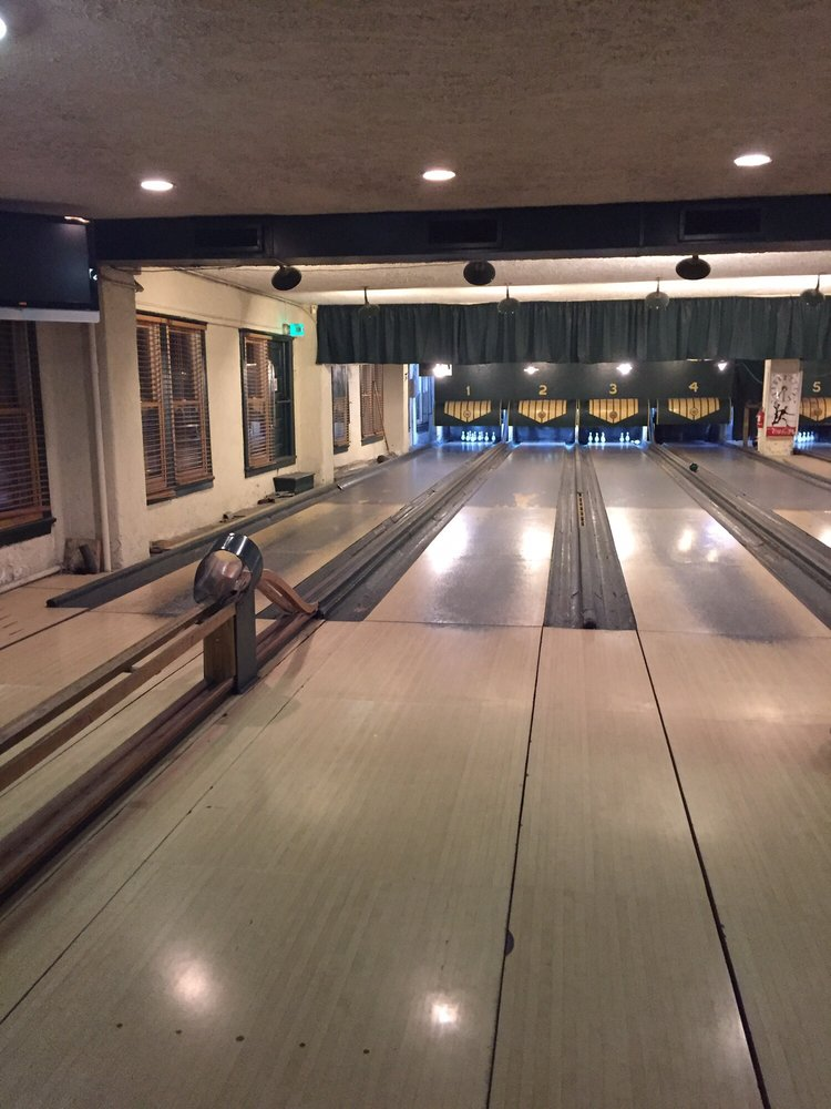 Photo of Atomic Bowl Duckpin: Indianapolis, IN