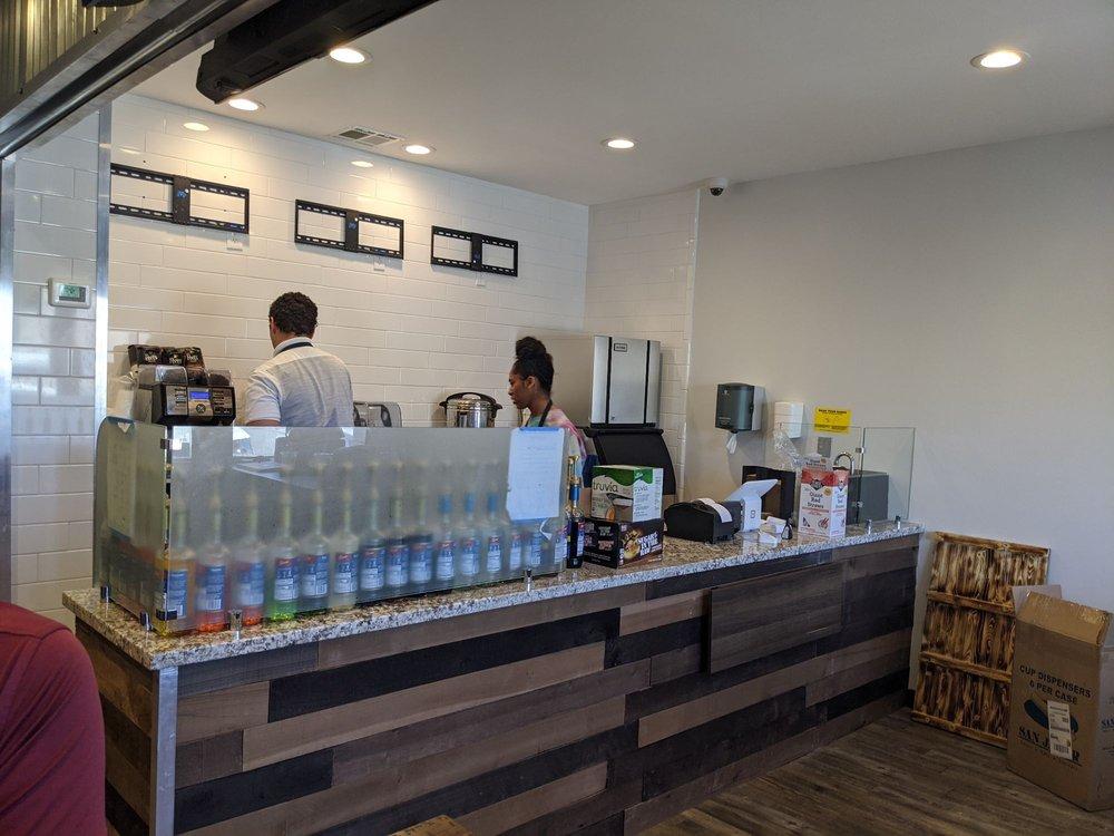 Maverick's Coffee Shop & Juice Bar: 55 E D St, Lemoore, CA