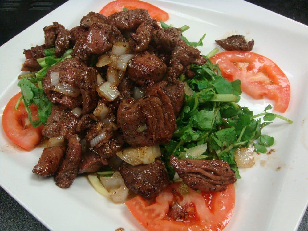 Bo Luc Lac - Vietnamese shaking beef (sauteed flank steak ...