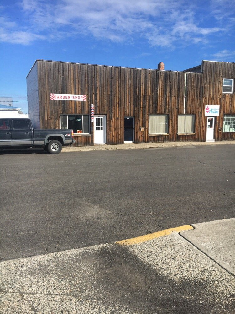 Barber Shop: 121 W North St, Grangeville, ID