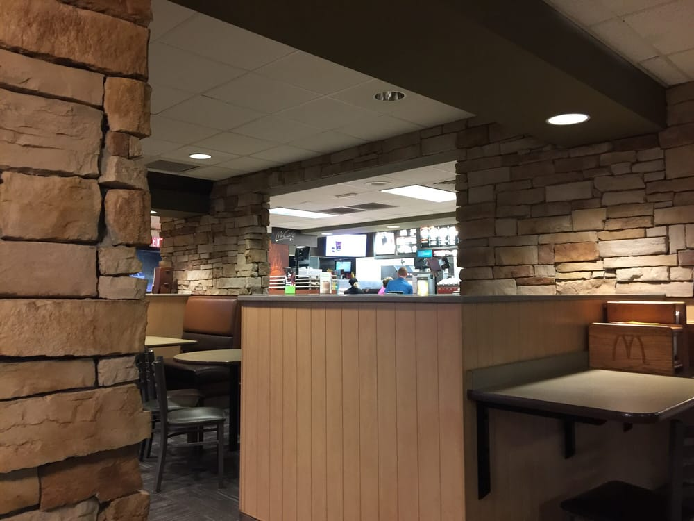 McDonald's: 1474 N High St, Hillsboro, OH