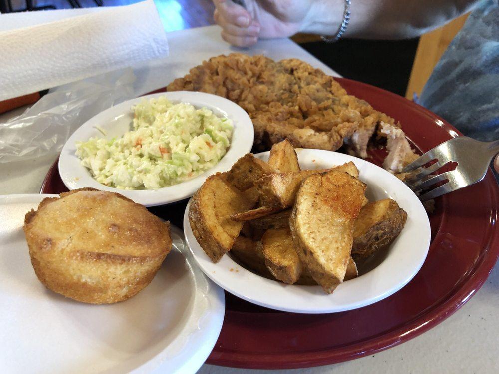 Varnell Cafe: 3442 Cleveland Rd, Dalton, GA