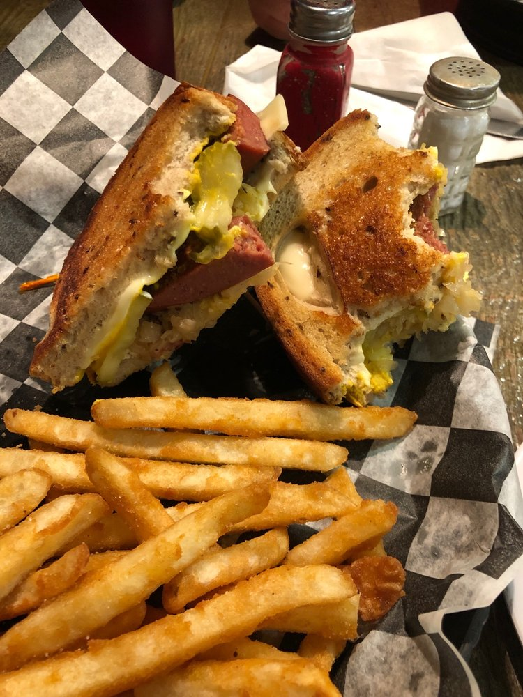 The Daily Cafe and Bakery: 407 N 169th Hwy, Gower, MO